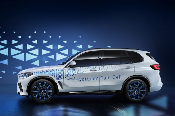BMW-i-Hydrogen-Next-Development-Vehicle_0