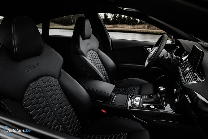 audi-rs7-sportback-570hp-2014-interior