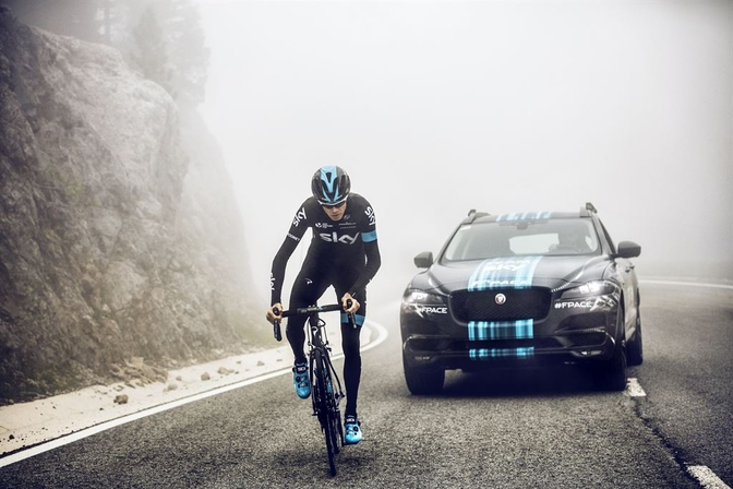 jag_f-pace_tourdefrance_team_sky