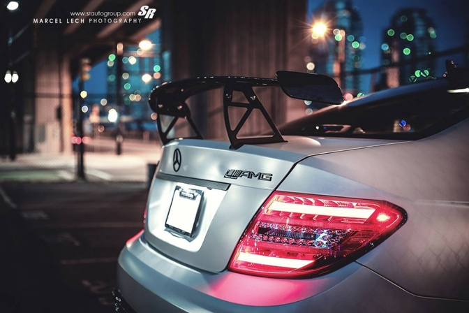 mercedes-c63-amg-black-series-pictures_3