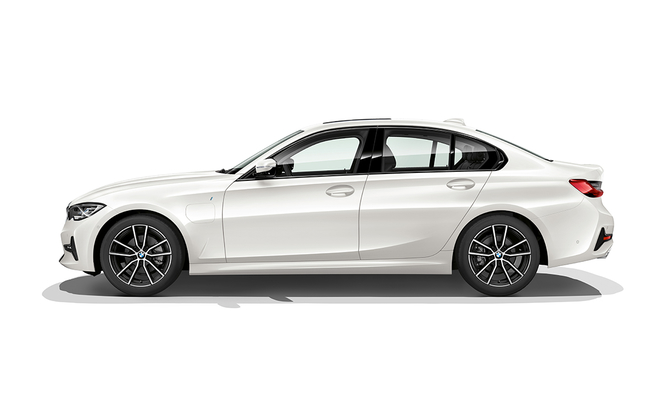bmw-330e-iperformance-pluginhybrid-official-2018