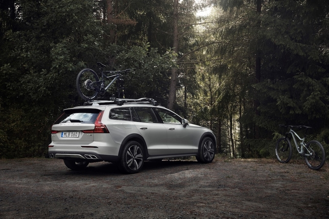 volvo-v60-cross-country-2018_08