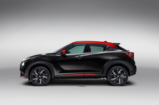 sep._3_-_6pm_cet_-_new_nissan_juke_unveil_black_static_studio_-_4
