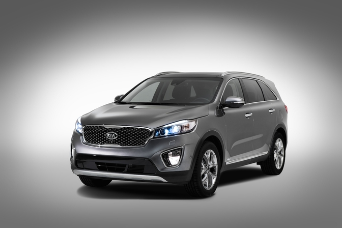 3rd_generation_kia_sorento_europe_spec_front_quarter