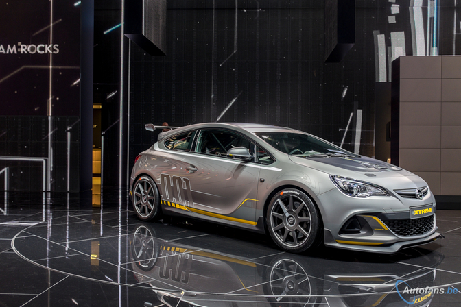 Opel-Astra-OPC-Extreme