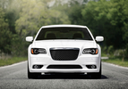chrysler-300-srt803-1303137545