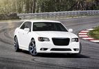 chrysler-300-srt811-1303137551