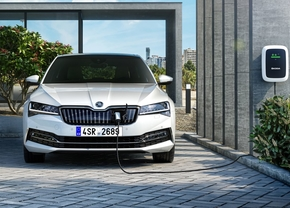 skoda-superb-facelift-plugin-hybrid