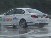 BMW M5 verovert wereldrecord langste drift, en hoe!