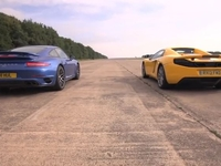 porsche-turbo-s-vs-mclaren-12c-spider