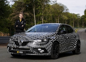 renault-megane-rs-4control-camouflage_0