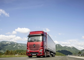 2018-mercedes-benz-actros-mirrorcam_6