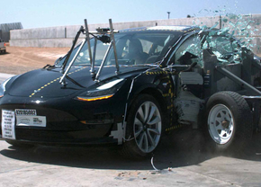 2018_tesla_model_3_crashtest_01