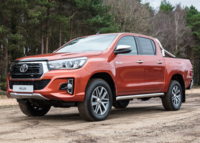 toyota-hilux-limited-2018_03