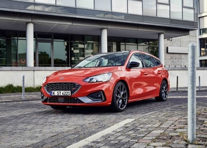 ford-focus-st-wagon-2019-official_6
