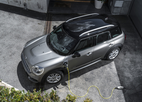 mini cooper s e countryman all4 update 2019