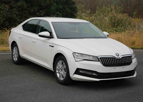 skoda superb facelift 2019 leaked