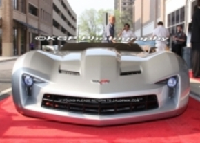Corvette Stingray Concept is Sideswipe in Transformers 3
