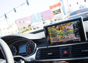 audi-ces-traffic-light-tech-0003