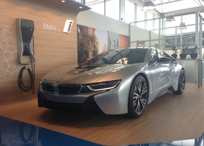 bmw-i8-roller-hollow-ebay_01
