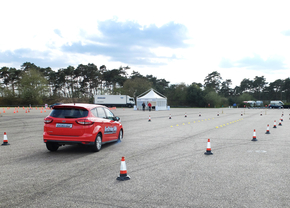 ford-driving-skills-for-life-2015_03