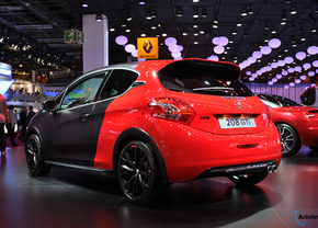 peugeot-208-gti-30th-parijs-2014_01