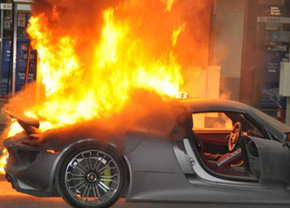 porsche-918-spyder-on-fire