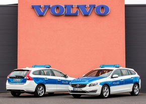 2014-volvo-v60-plug-in-hybrid-for-bundes-polizei