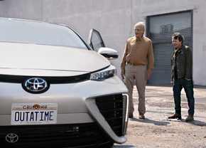 toyota-mirai-back-to-the-future_01