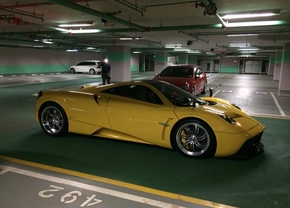 15-year-old-gets-a-huayra-for-his-birthday-youngest-pagani-owner_5